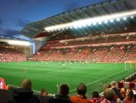 Einmal You'll never walk alone live hören von den Fans des FC Liverpool.