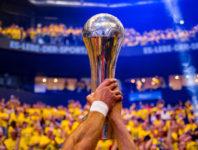 Seien Sie live dabei, wenn beim REWE Final Four ein weiteres Kapitel Handballgeschichte geschrieben wird.