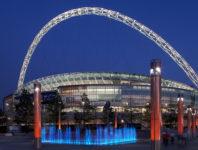 Besuchen Sie mit Faltin Travel das imposante Wembley Stadium.