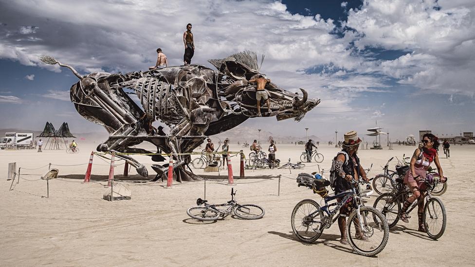 """Burning Man Festival-Gelände in der """"Black Rock Desert"""" Wüste"""