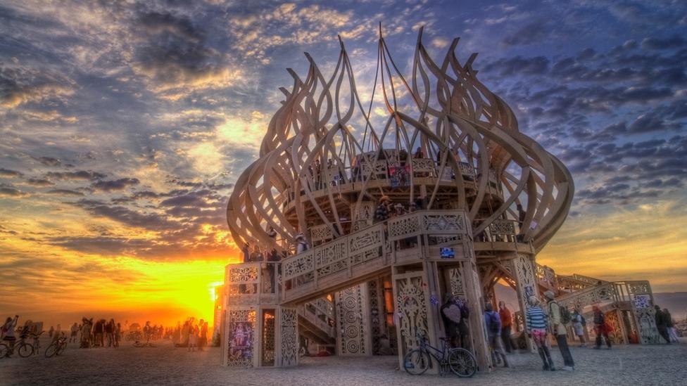 Burning Man Tickets buchen und den Burning Man mit Faltin Travel live erleben!