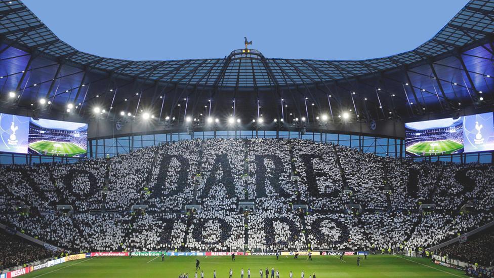 Ausverkauftes Tottenham Stadium
