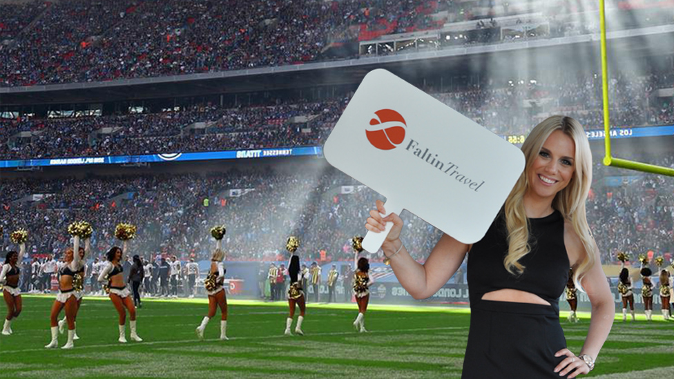 Cheerleader vor einer NFL London Games Partie